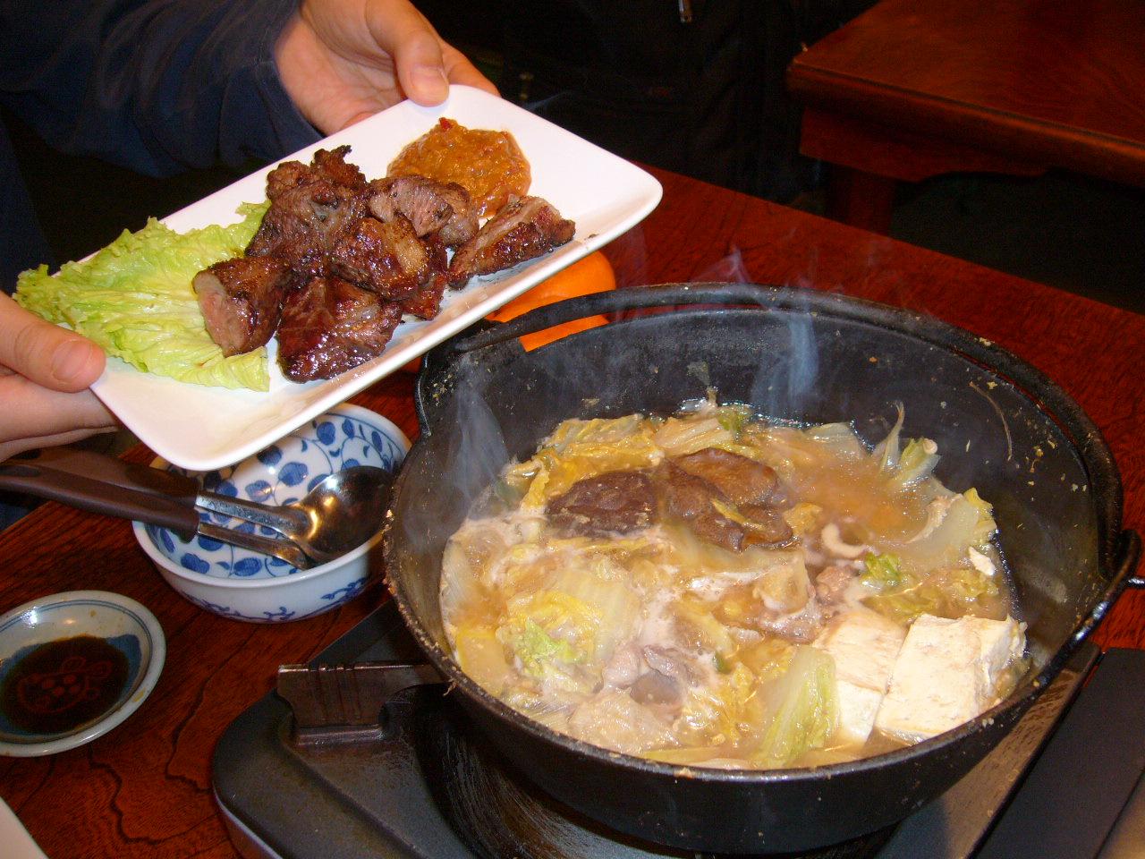 野生の猪肉を鍋と焼きで.JPG