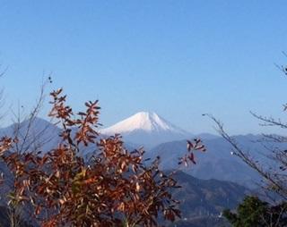 高尾山から富士山へ